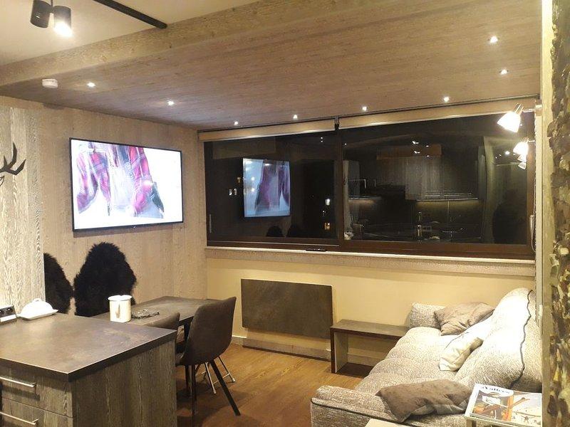 Rare aux Menuires, appartement 3 pièces magnifiquement rénové et skis aux pieds – semesterbostad i Saint-Martin-de-Belleville
