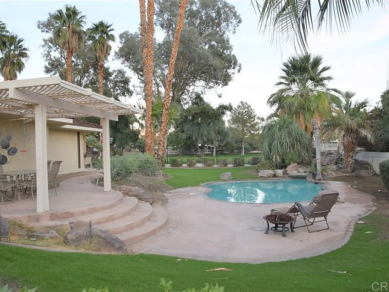 Spacious House, Central Location, Golf Course and Mountain Views & private pool!, holiday rental in Borrego Springs