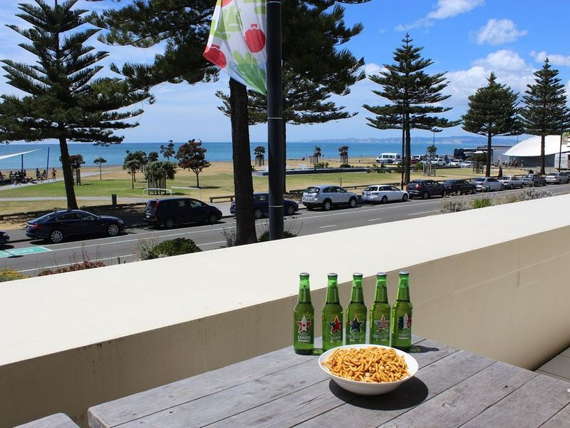 Marine Haven - Napier Holiday Home, holiday rental in Napier