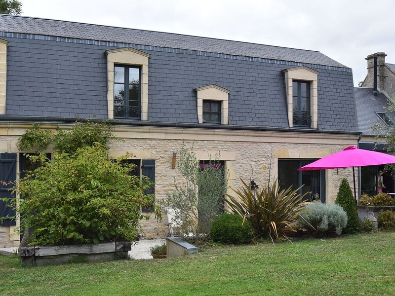 Luxury Home in Magny-en-Bessin with Garden, beach at 4km., holiday rental in Tracy-sur-Mer