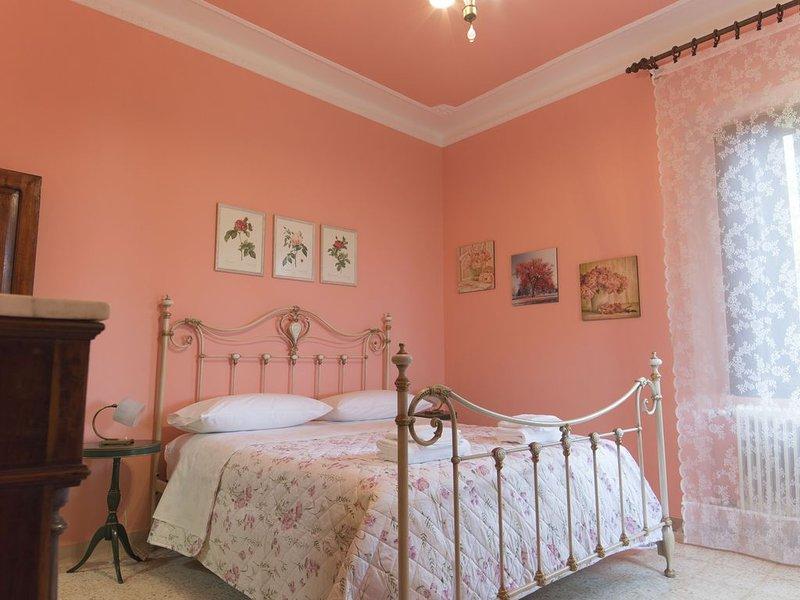 Il tuo angolo verde e riservato in uno dei Borghi più belli d'Italia., holiday rental in Colli Del Tronto
