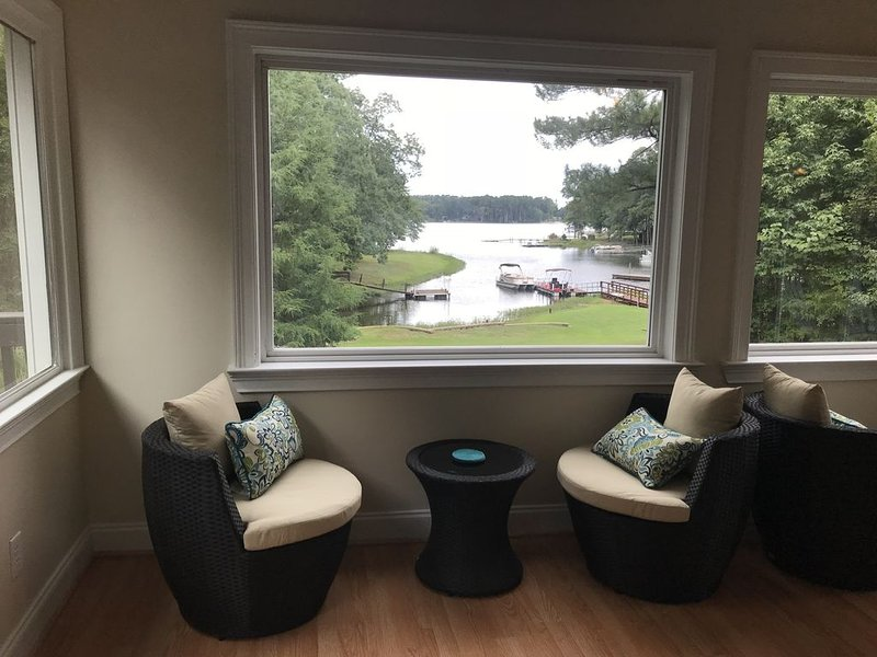Lake House in Peaceful Cove, holiday rental in Prosperity