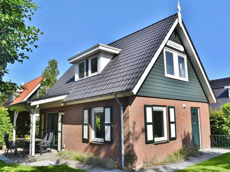 Nice holiday home in Zonnemaire for 6 people, ideal for the dog or children, holiday rental in Brouwershaven
