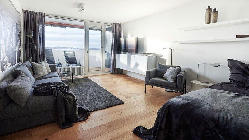 7 OG, 2 Zimmer Wohnung, hell und gemütlich!, aluguéis de temporada em Leinfelden-Echterdingen