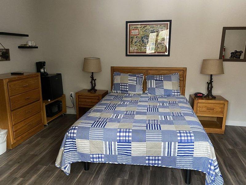 Attitash, Storyland, Conway area Hotel Room, holiday rental in Hart's Location