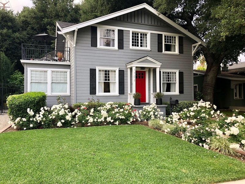 Charming Designer Home in South Pasadena Near DTLA, holiday rental in San Gabriel