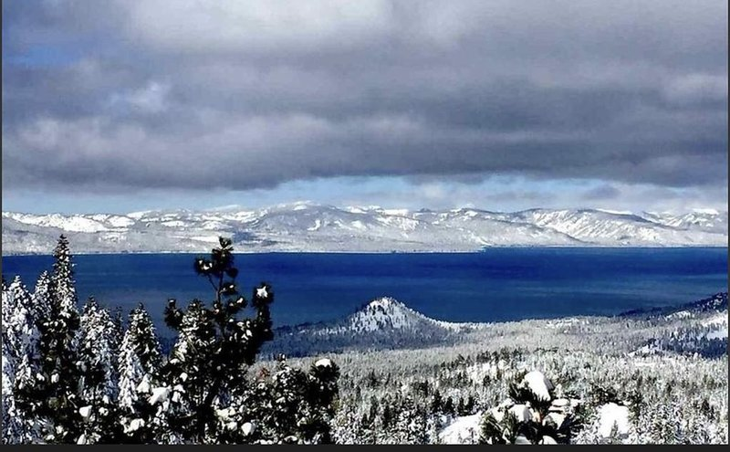 Perfect Lake Tahoe View at Heavenly, alquiler de vacaciones en Stateline