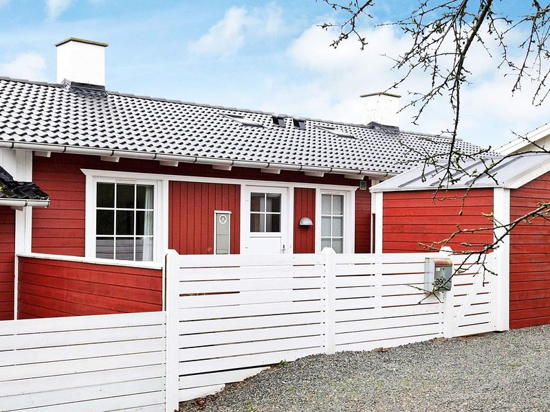 Pleasant Holiday Home in Jutland with Swimming Pool – semesterbostad i Varnaes