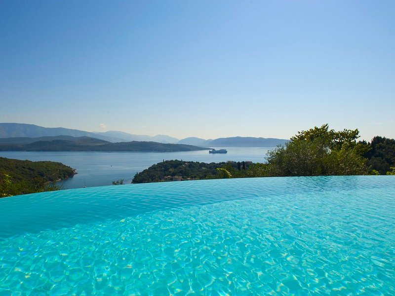 Villa Maro: Exquisite summer & winter experience. Ideal long term winter retreat, holiday rental in Agios Stefanos