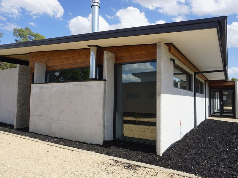 Hudson*Stockmans Mansfield Vic, vacation rental in Mansfield