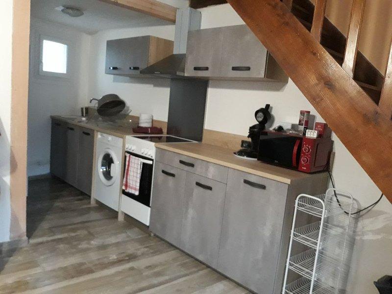 Loue maison de campagne à la semaine possibilité plus ou le week-end., aluguéis de temporada em Saint-Bonnet-de-Salers