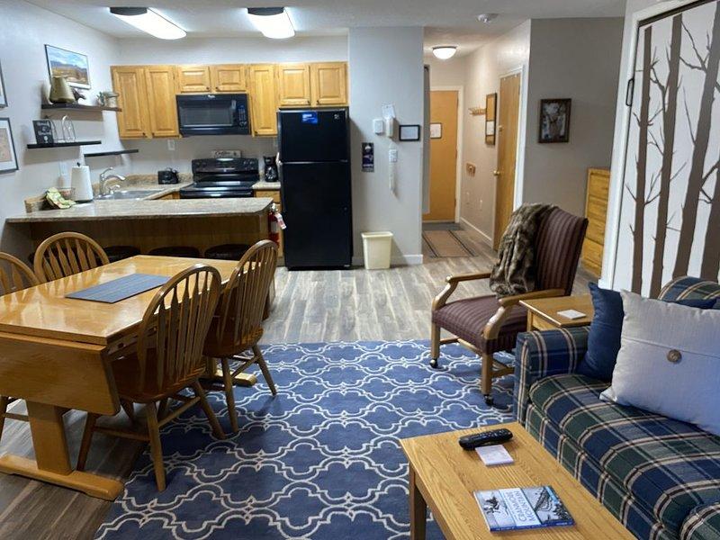 Attitash, Storyland, Conway area Condo, vacation rental in Hart's Location