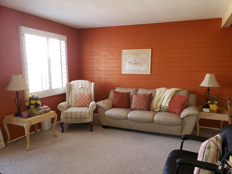 Relax and Enjoy this 2 BR charming Villa, Fully Loaded., holiday rental in Sahuarita