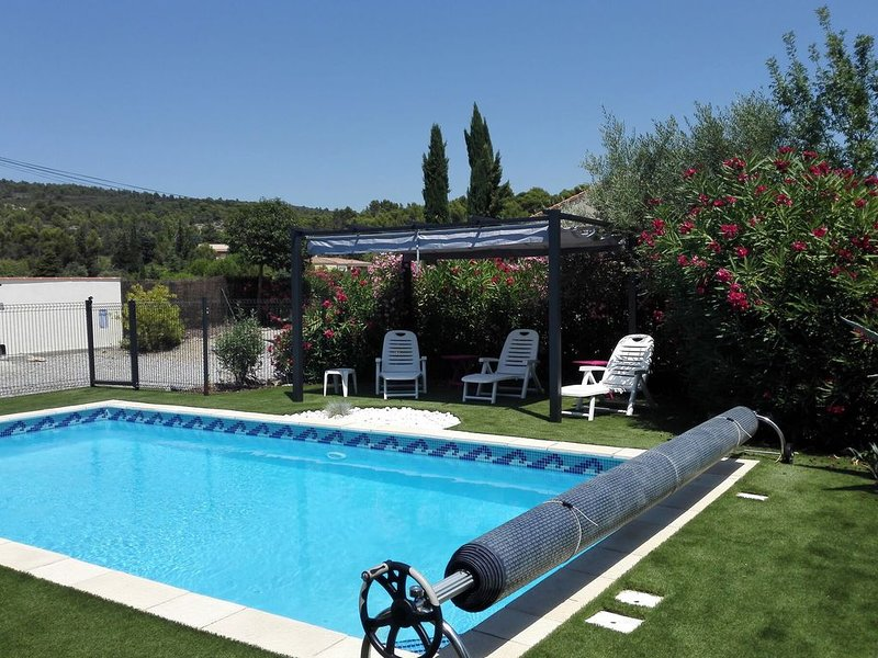 Charming Villa in Azillanet with Private Swimming Pool, Ferienwohnung in Beaufort