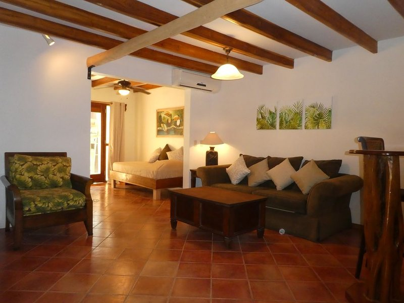 Top 10 place to stay in Tamarindo � Read Reviews Book Now !, holiday rental in Playa Langosta