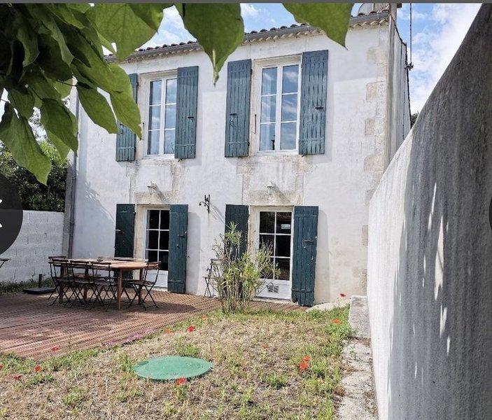 Maison au coeur du village proche mer et forêt, holiday rental in Saint-Trojan-les-Bains