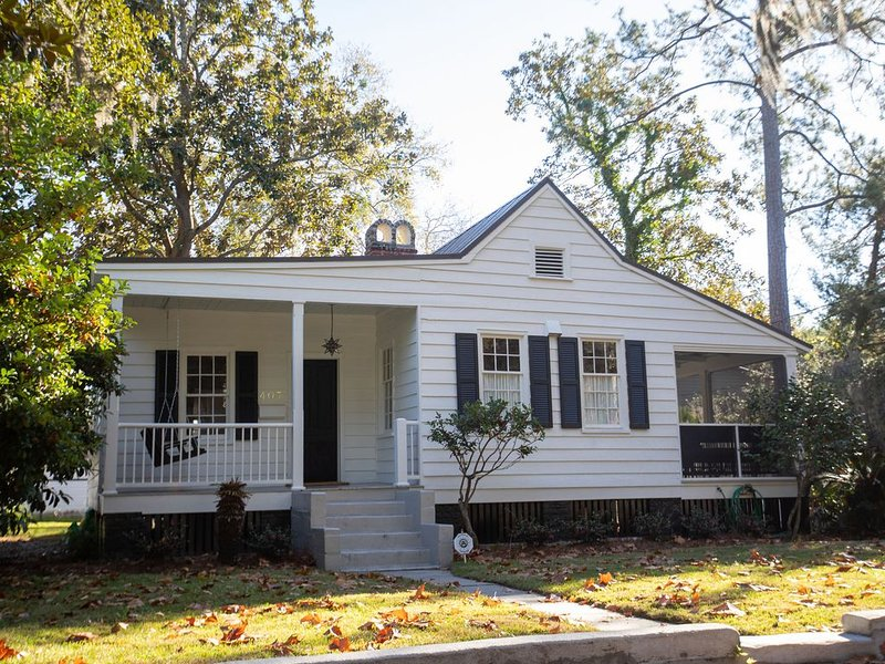Newly renovated historic cottage in downtown Beaufort, SC, vacation rental in Lady's Island