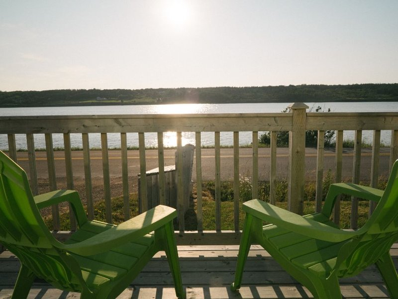 Waterfront Vacation Home Rental, vacation rental in Cheticamp