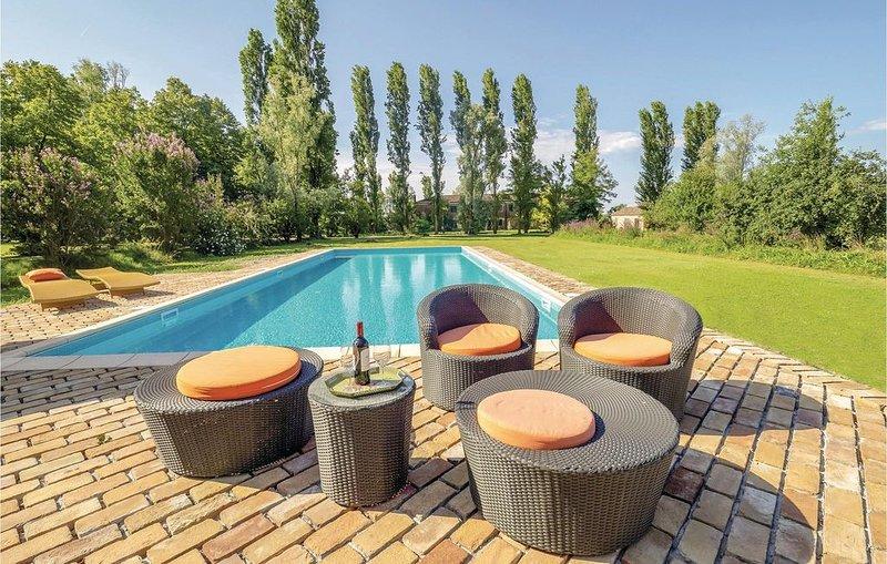 2 Zimmer Unterkunft in Taglio di Po (RO), holiday rental in Crespino