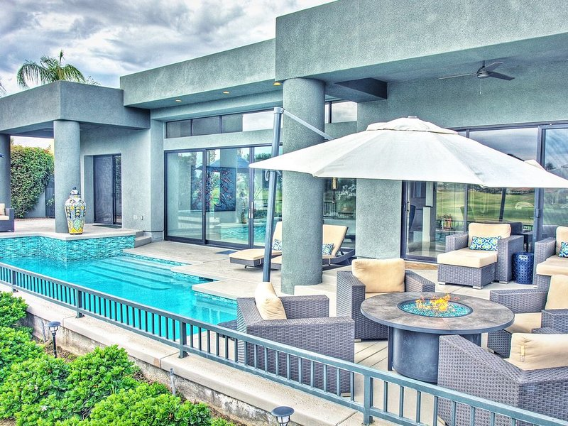 Newly Remodeled 4,400 Square Foot Modern design with Pool and Spa., holiday rental in La Quinta