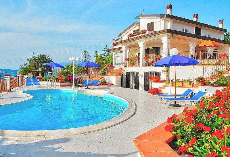 Villa Gioconda, rimborso completo con voucher*: Un'incantevole villa su tre pian, location de vacances à Agropoli