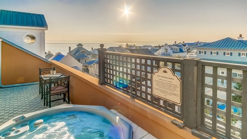 Penthouse Rosemary Beach Condo w/ Rooftop Hot Tub, Gulf Views, Bikes, Downtown!, holiday rental in Rosemary Beach