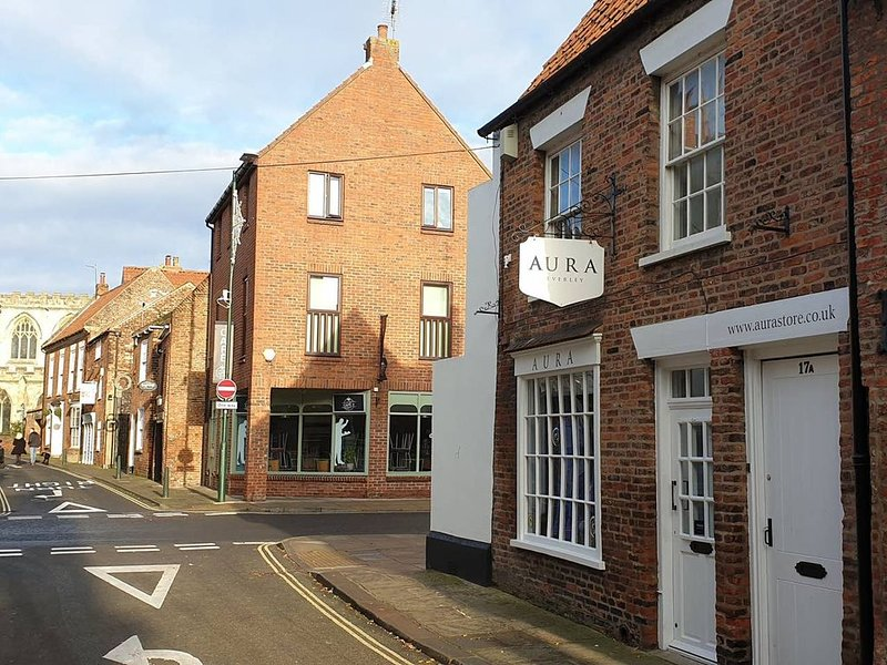 Luxury Apartment in the Heart of Beverley, holiday rental in Bainton