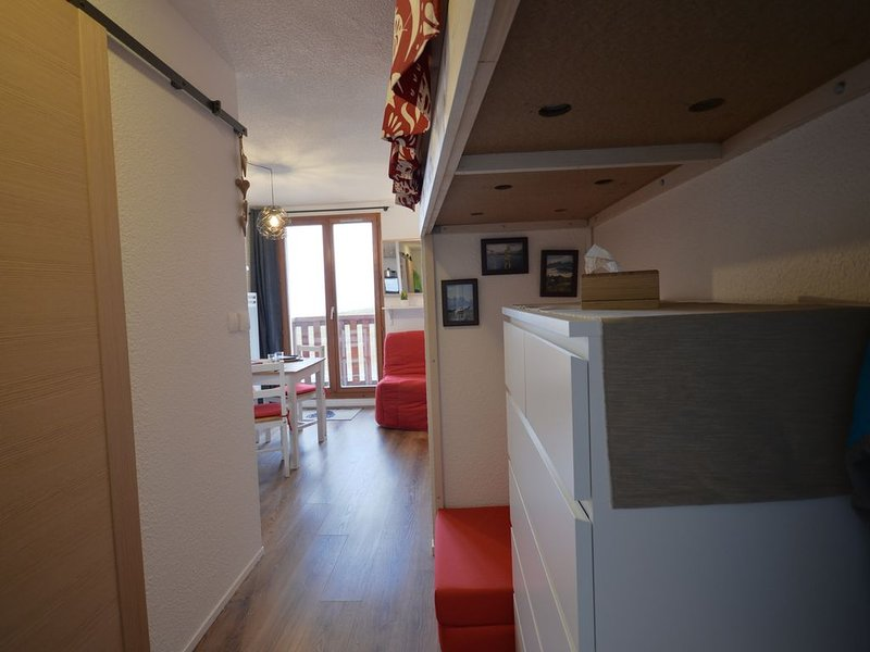 Studio 1,2 ou 3  personnes, avec vue dégagée face aux aiguilles d'arves, holiday rental in Saint-Jean-de-Maurienne