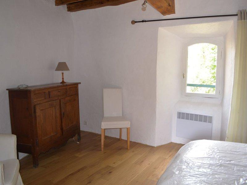 Maison ancienne entièrement rénovée, holiday rental in Gouaux