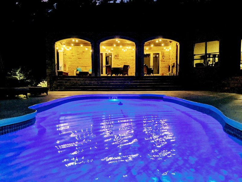 Private 1300 sqft Guest House with Saltwater Pool, vacation rental in Seven Oaks