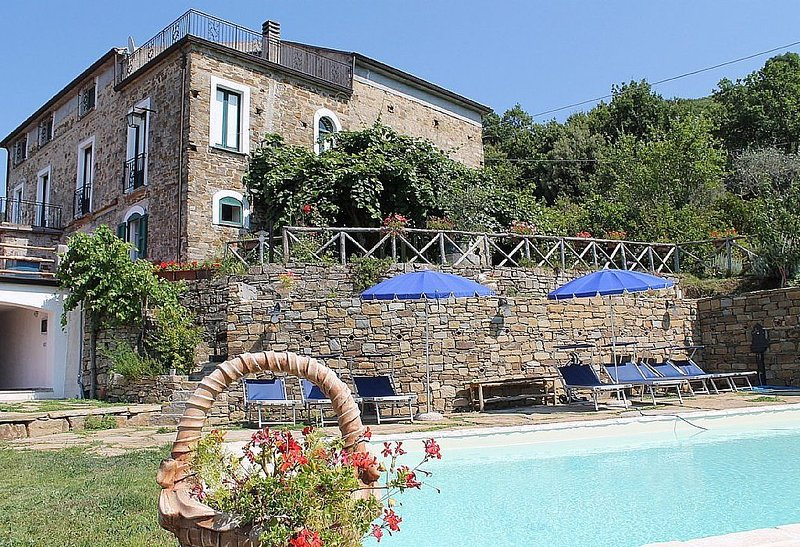 Villa Trotta, rimborso completo con voucher*: Una caratteristica antica casa su, aluguéis de temporada em Cilento and Vallo di Diano National Park