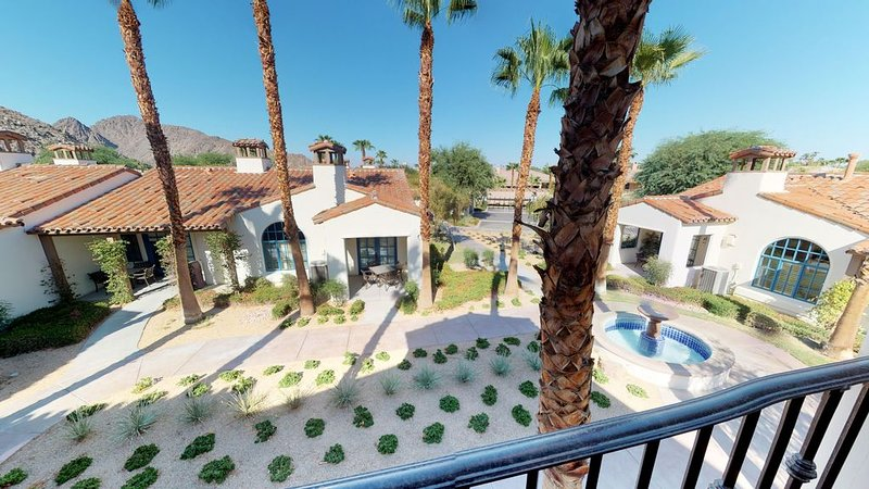 Cozy, Comfortable Upstairs Legacy Villas Studio With A Fountain View, holiday rental in La Quinta