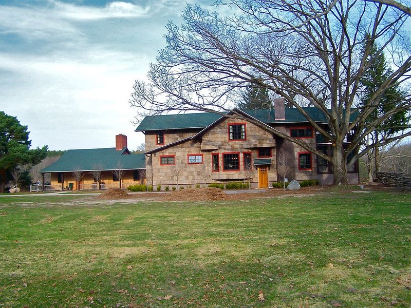 Beautiful home on the Pere Marquette River w/ over 400 Acres of Land!, holiday rental in Walhalla