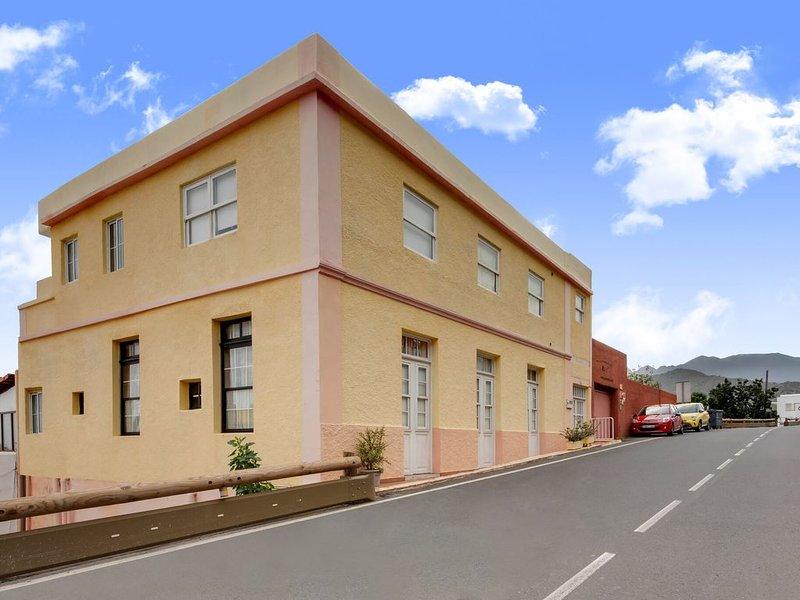 Beautiful Mansion in Hermigua, La Gomera with Patio, aluguéis de temporada em Agulo