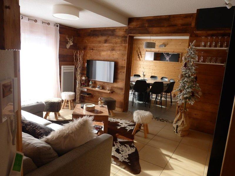 trés bel appartement 2° étage 4 chambres 2 salles de bain garage style chalet, alquiler vacacional en Mont-de-Lans