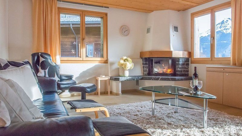 Chalet Millennium - well located and spacious apartment, holiday rental in Wengen