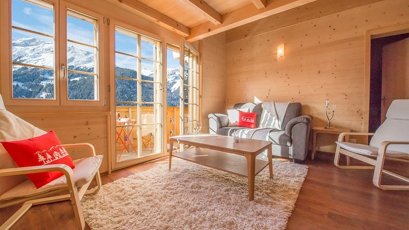 Stunning views: Chalet Aberot Penthouse Staubbach, vacation rental in Wengen
