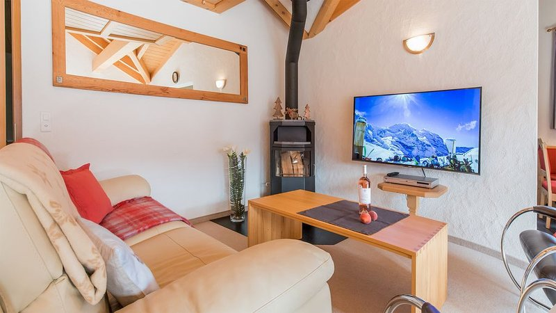 Penthouse in Chalet Millennium - well located, vacation rental in Bernese Oberland