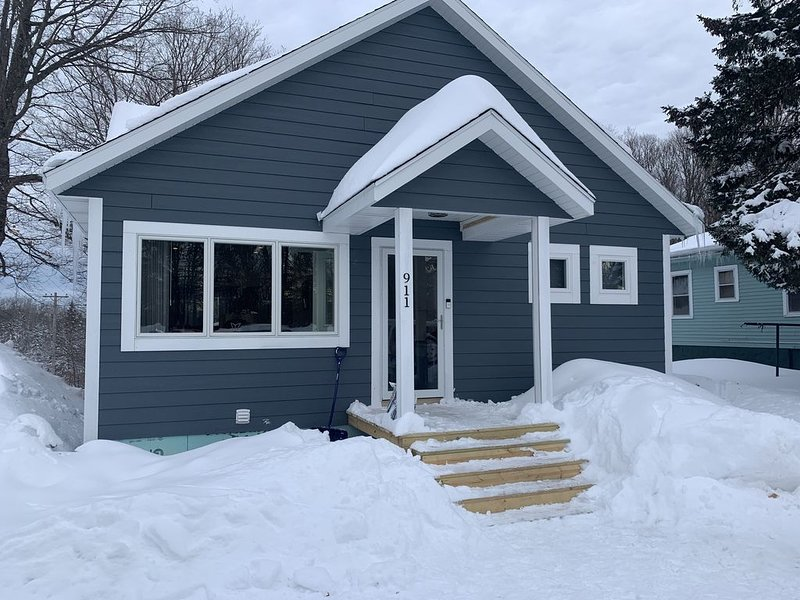 Minutes from the ski hills, snowmobile trails and waterfalls in the summer., holiday rental in Wakefield