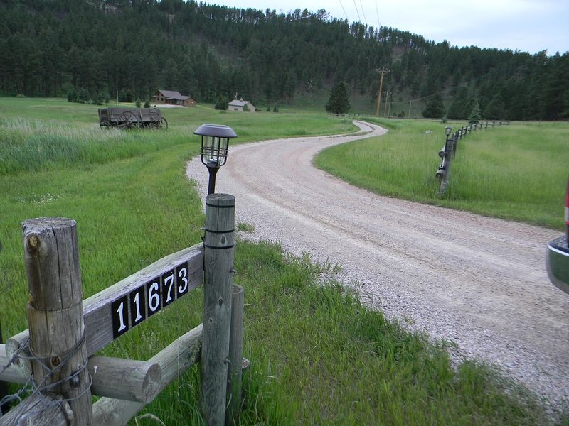 Welcome to Larkota Acres, where the calm is so wild., holiday rental in Custer