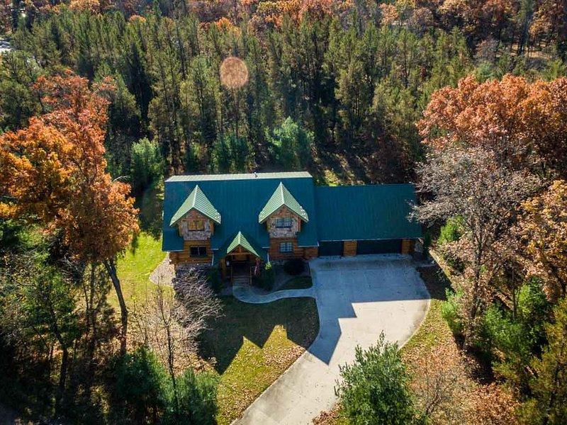 Log Home with access to Lake Arrowhead, casa vacanza a Nekoosa