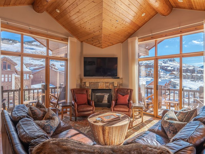 Treat Yourself to a Penthouse View of the Butte!, holiday rental in Crested Butte