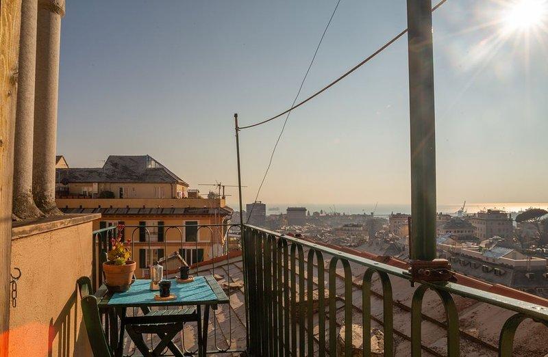 Casa con Genova... ai tuoi piedi. Da Castelletto mansarda di 42 mq 3 letti, casa vacanza a Valbrevenna