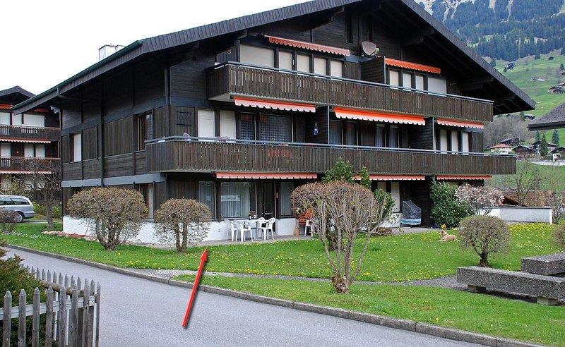 Gemütliche, grosszügige Wohnung nähe Dorfkern, aluguéis de temporada em Interlaken
