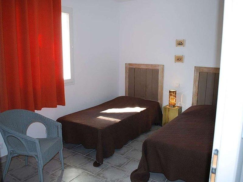 VILLAS BLUE HILLS RESIDENCE 2, holiday rental in Vallon-Pont-d'Arc