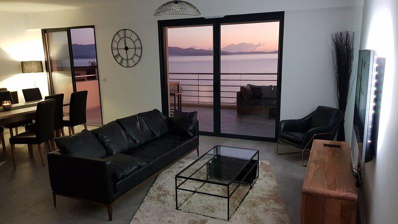 T4 Neuf Haut standing - Splendide appartement vue magnifique mer, vacation rental in Ajaccio