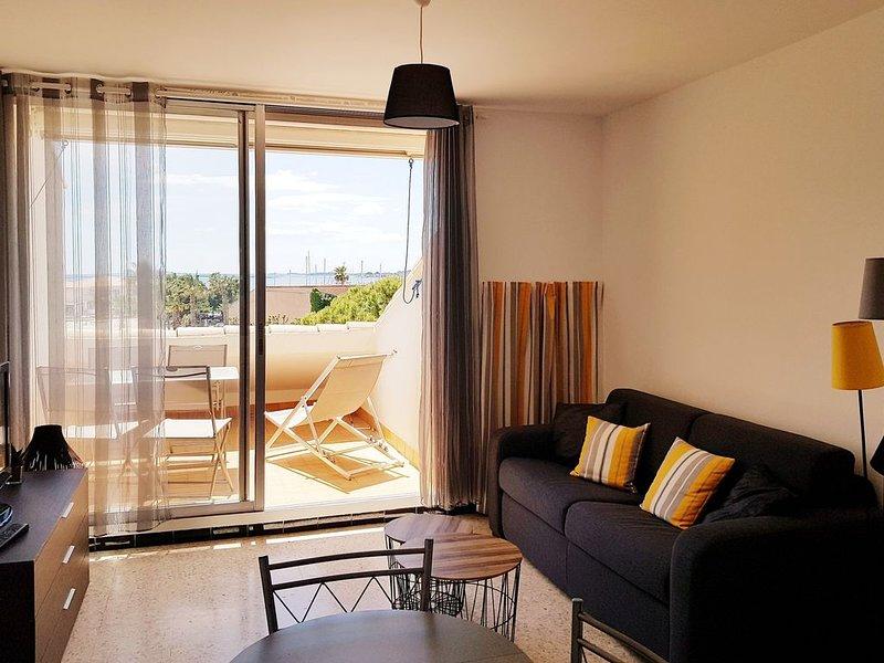 Appartement T2 avec magnifique vue plage à Mèze , proche Sète et Cap d'Agde, vacation rental in Meze