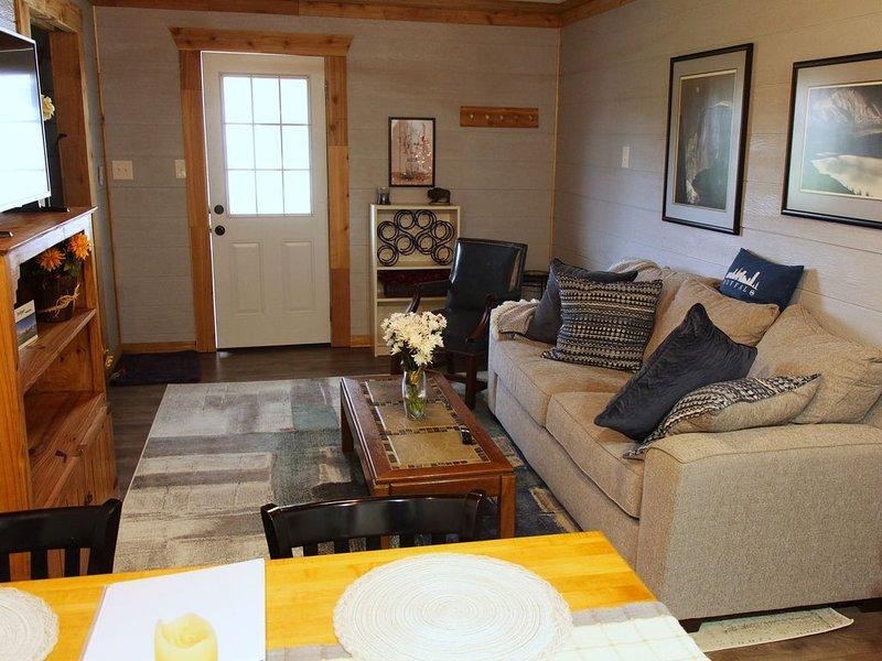 New, two room detached guest suite., location de vacances à Weatherford