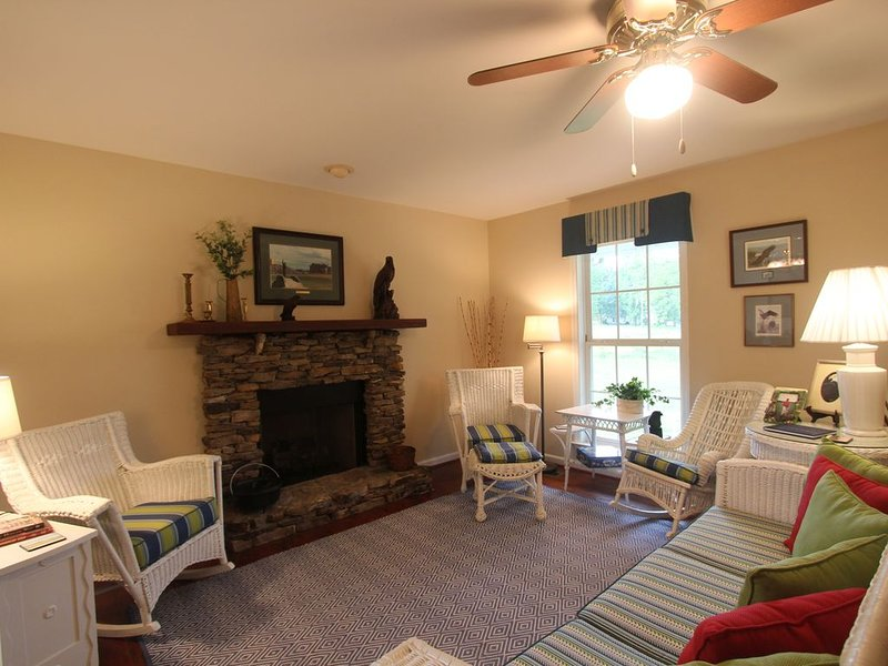 Cottage at historic Armsdale Farm, casa vacanza a Summertown