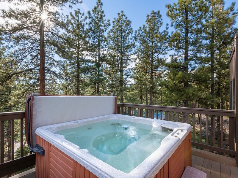 Look no further,Lake Tahoe awaits! Quiet,near beach,hiking,biking,trails & More!, alquiler de vacaciones en Zephyr Cove